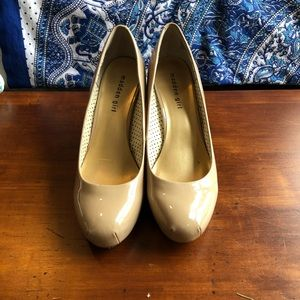 Madden Girl round toe pumps size 10